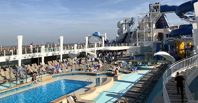 The main pool on Norwegian Bliss