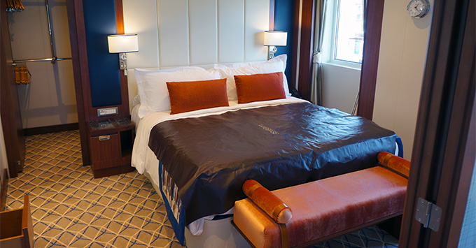 Suite bedroom on Seabourn Ovation