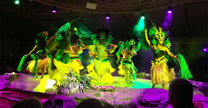 Hawaiian dance performance