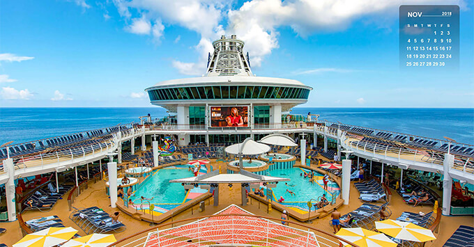 Pool Deck on Mariner of the Seas