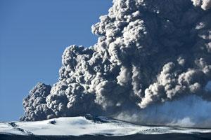 Volcano-Ash-Cloud