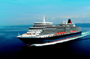 Cunard Queen Elizabeth at Sea