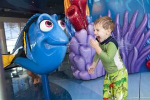 Disney-Dream-Nemo's-Reef