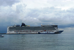 Norwegian-Epic-Rainy-Cozumel