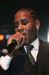 r-kelly-cruise-canceled