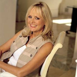 British Supermodel Twiggy To Name New Luxury Seabourn Cruise Ship