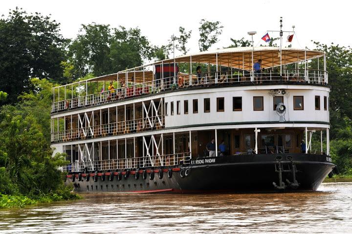 Mekong-myanmar-chindwin-river-cruise-ship-boat