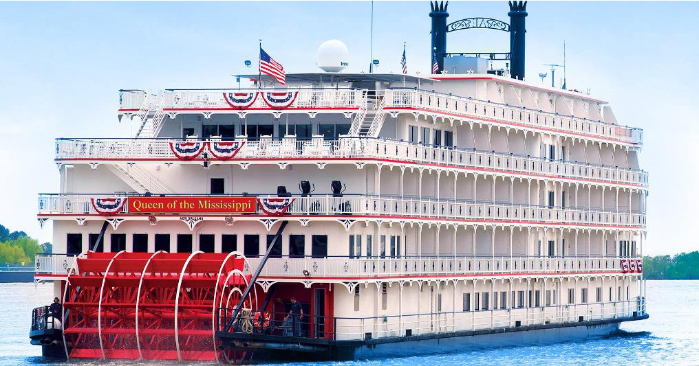 Queen of the Mississippi Riverboat @ Levee Park | Red Wing | Minnesota | United States