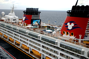 Disney Wonder - Pool Deck