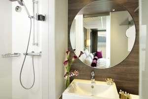Amadeus Silver - Bathroom onboard Amadeus Silver.
