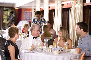 Reef Endeavour - Reef Endeavour Dining Room