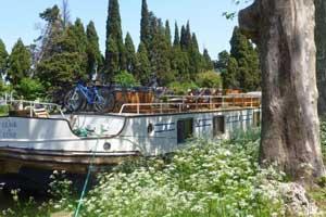 Clair de Lune - Clair de Lune moored