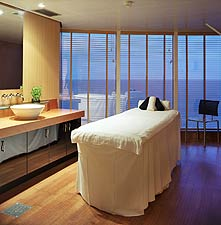Crystal Serenity - Spa and Salon