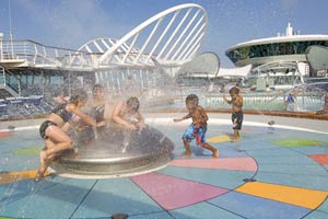 Enchantment of the Seas - Splash Pool