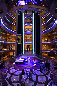 Grandeur of the Seas - Centrum