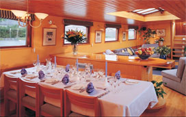 Belmond Hirondelle - A Bright Dining Area