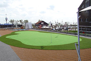 ms Savor - Putting green