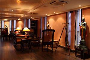Jayavarman - Henry Mouhot lounge with library