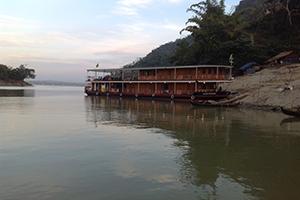 Kalay Pandaw - Kalay Pandaw at riverside
