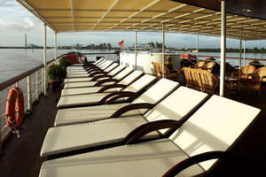 La Marguerite - Sun Deck with lounge chairs and bar