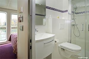 Lafayette - Bathroom