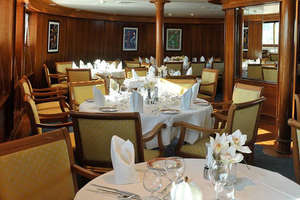 Le Ponant - Dining Room