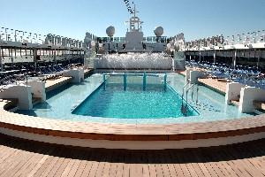 MSC Lirica - Pool