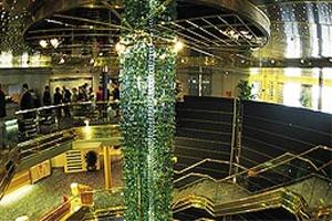 Maasdam - Atrium w/ Venetian Glass Column