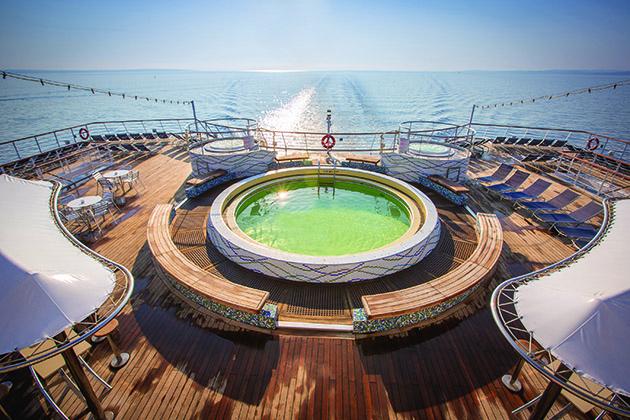 Magellan - Lido Pool