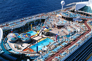 Mariner of the Seas - Pool Deck