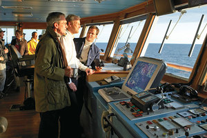 National Geographic Explorer - Learn about navigation in the bridge
