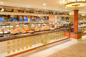 Norwegian Gem - The Garden Cafe now offers action-station-only dining.