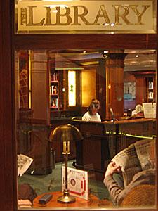 Queen Victoria - Grills Lounge