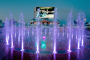 Regal Princess - Regal Princess Fountain Pool