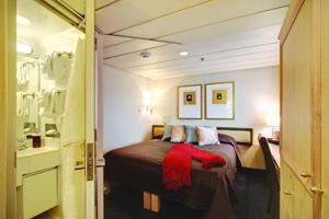 Safari Endeavour - Admiral Stateroom
