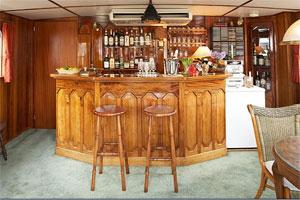 Savoir Faire - A Fully Stocked Bar