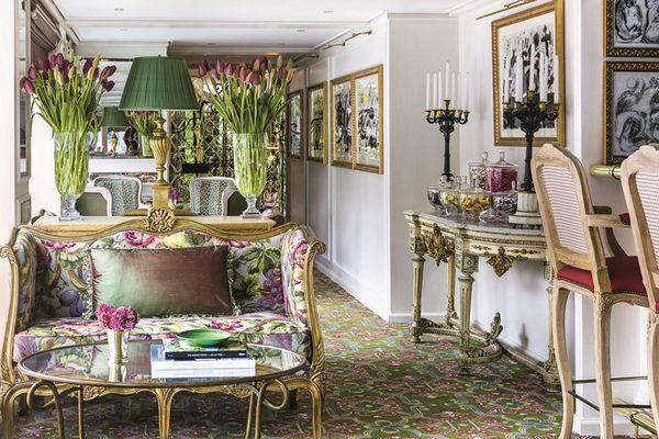 S.S. Catherine - Van Gogh Lounge