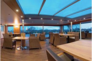 River Splendor - Captain's Club Lounge