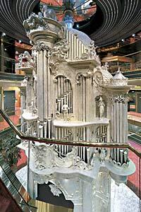 Zaandam - Atrium Sculpture