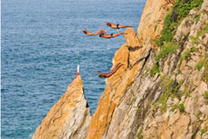 Acapulco Quebrada Cliff Divers