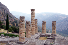 Athens (Piraeus) Delphi Walking Tour