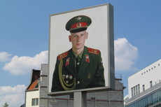 Berlin Checkpoint Charlie cruise excursion