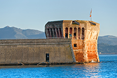 Elba Medici Fortresses cruise excursion